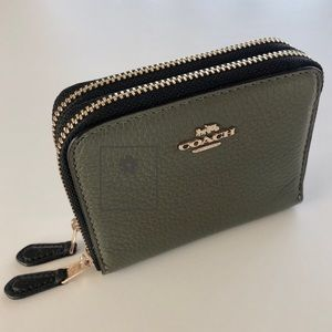 Coach - Double Zip-Around Wallet - Military Green